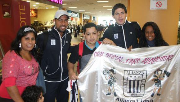 Jugadores de Alianza Lima recibieron el calor y el apoyo de los hinchas. (Difusión)