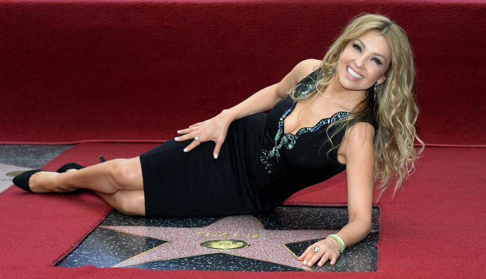 Thalía fue condecorada con su estrella en el Paseo de la Fama de Hollywood por sus 30 años de vida artística. (Reuters)