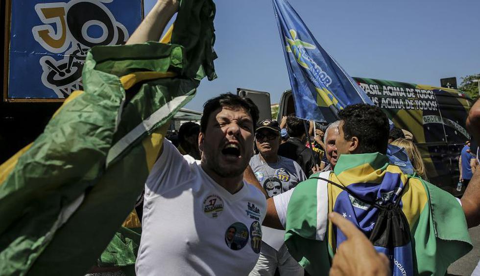 Los seguidores del ultraderechista Jair Bolsonaro, líder en los sondeos para las elecciones presidenciales en Brasil, realizaron manifestaciones para manifestar su apoyo al candidato. (Foto: EFE)