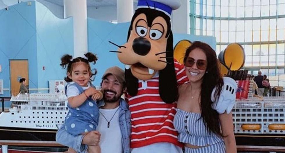 Pareja lleva a su hija de paseo por un crucero en Disney. (Instagram Karen Schwarz)
