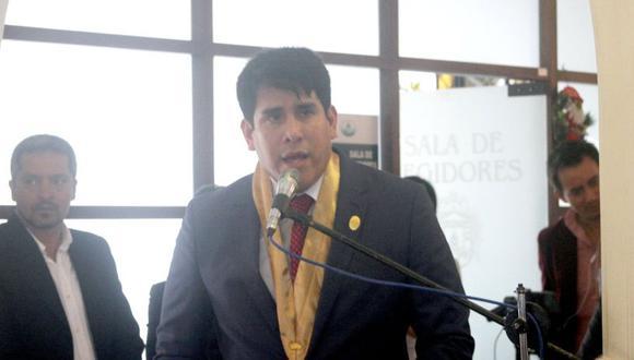 El alcalde Carlomagno Chacón indicó que ha implementado un plan de emergencia para evitar el colapso de la municipalidad. (Foto: Facebook)