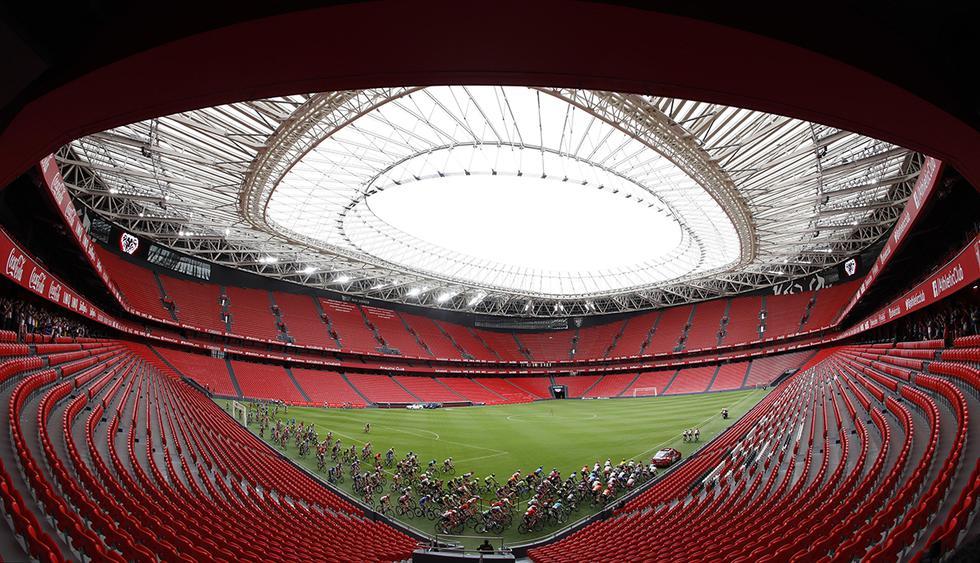 Los ciclistas de la Vuelta a españa, iniciaron la etapa 13 en el estadio San Mamés de Bilbao, en un acto emocionante. (Foto: EFE)