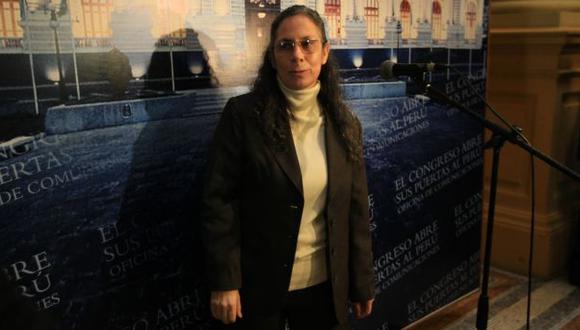 EN PROBLEMAS. Salas enfrenta una serie de críticas y una posible censura por nueva ley del profesorado. (Martín Pauca)