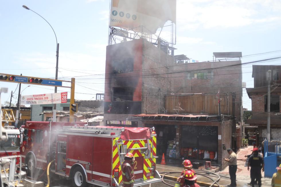 Incendio consumió edificio en el Rímac (JuanPonce/GEC)