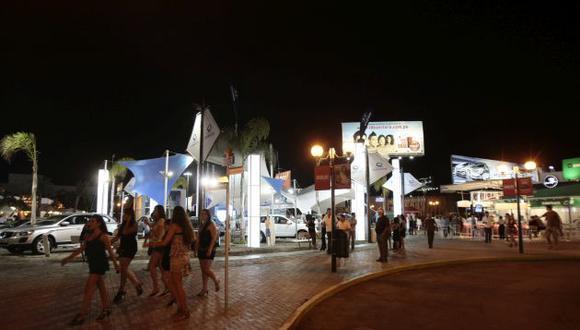 El Boulevard de Asia es concurrido cada fin de semana por centenares de adolescentes. (Perú21/Referencial)