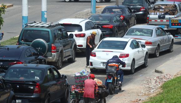 Los conductores deberán tomar sus precauciones ante el cierre de la avenida Guardia Chalaca. (Foto: GEC/Alessandro Currarino).