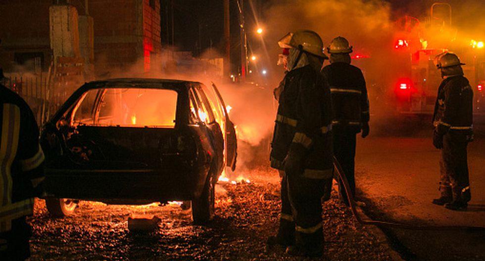 Mujer se suicida incendiando su casa tras la fuga de sus hijos a quienes mantenía secuestrados. (Getty)