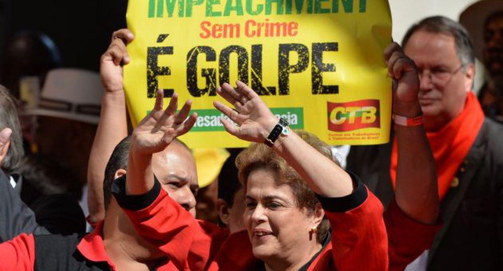 Medio brasileño informa que Dilma Rousseff estudia renunciar al cargo y convocar a elecciones. (AFP)