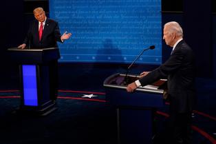 """Joe Biden contesta a Trump y dice que nunca recibió """"ni un centavo"""" de un país extranjero"""