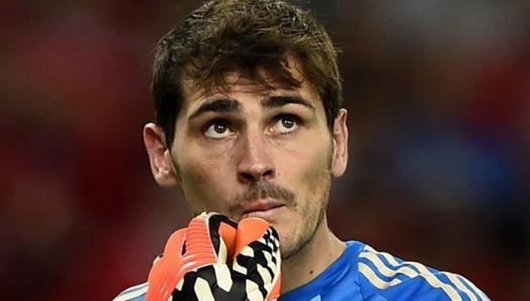 Iker Casillas fue acusado en las redes sociales de propiciar la salida de Diego López. (Reuters)
