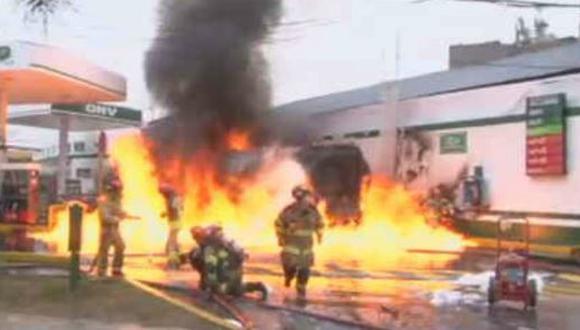 Incendio en Breña. (Twitter/@ChioRamitos)