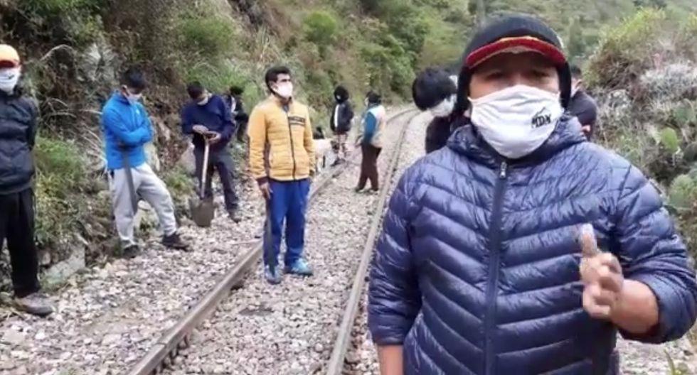 Cusco. Pobladores tomaron vía férrea y aseguran que nadie entra ni sale de Machu Picchu para evitar contagio de coronavirus. (Captura de video)