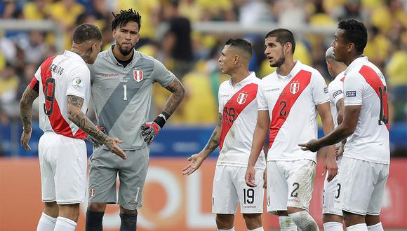 Perú cayó goleado ante Brasil y complicó sus chances de clasificar. (Foto: EFE)