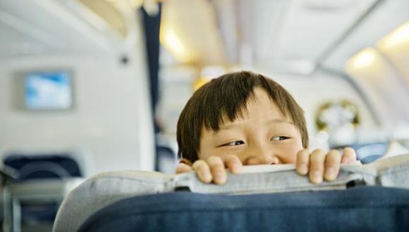 Si eres de los que se molestan cuando un bebé llora en los vuelos, este caso podría darte una lección. (Getty)