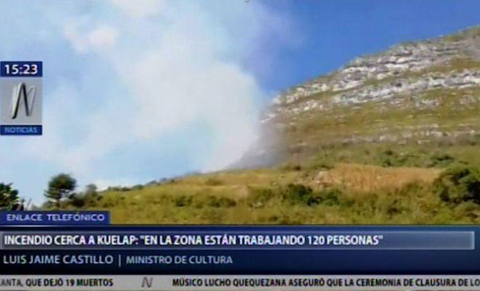 Las autoridades tratan de controlar el incendio en los alrededores de Kuélap. (Canal N)