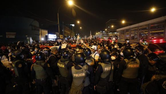 Expresidente del Congreso cuestionó que precandidatos presidenciales estén impulsando las movilizaciones. (Foto: César Bueno/GEC)