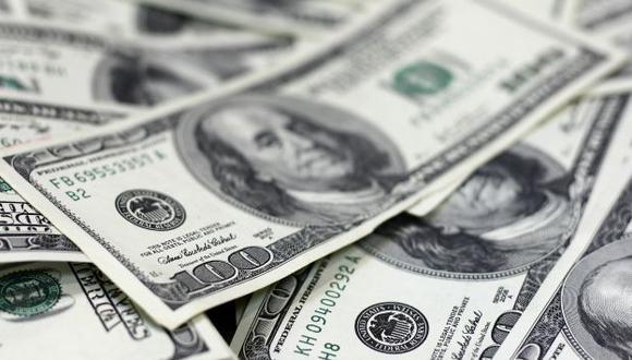 REFUGIO. Alza del billete verde ha perjudicado no solo a las empresas, sino también a los ciudadanos. (Bloomberg)