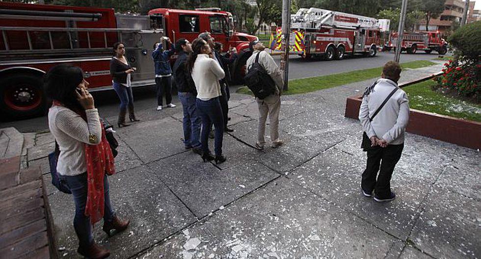 Un petardo fue arrojado cerca de una estación policial en Bogotá. (AP)
