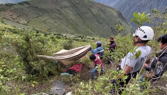 Cusco: ambos cuerpos fueron ubicados tras labores de búsqueda entre los arbustos del abismo. (Foto: Andina)