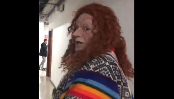 "Jorge Benavides parodia a Eliane Karp y su frase ""I don't speak spanish"" en 'El wasap de JB'. | Instagram"