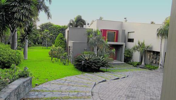 Esta es la lujosa residencia de la calle Cascajal por la que se decidió el matrimonio Toledo-Karp. (Correo)