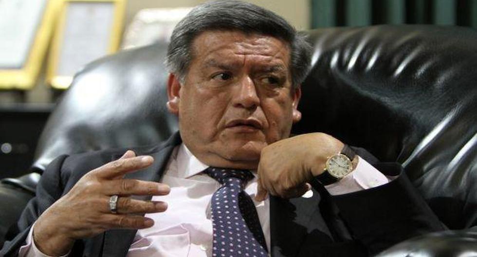 """César Acuña a Martín Vizcarra: """"Asista con humildad al Congreso para dar explicaciones"""""""