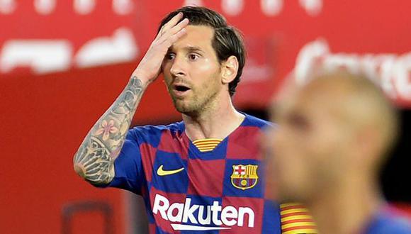 Lionel Messi reclamó a Diego Carlos por la temeraria entrada en el Barcelona-Sevilla. (Foto: AFP)