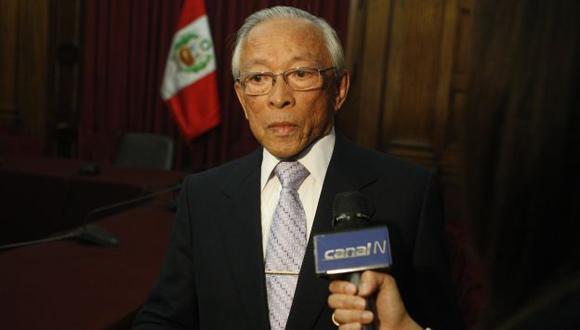 Humberto Lay evaluaría renunciar a la Comisión de Ética si no procede su pedido. (Perú21)