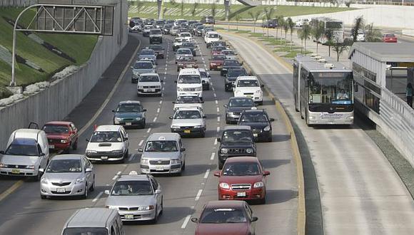Se generó gran congestión vehicular por más de 30 minutos. (USI/Referencial)