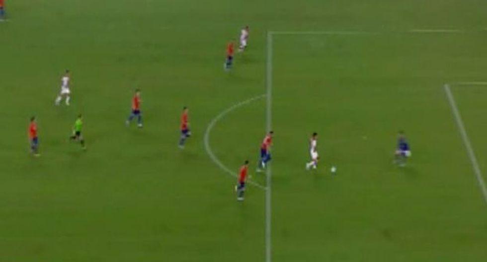 Raúl Ruidíaz desperdició una clara ocasión de gol ante Chile. (Captura: Movistar Deportes)