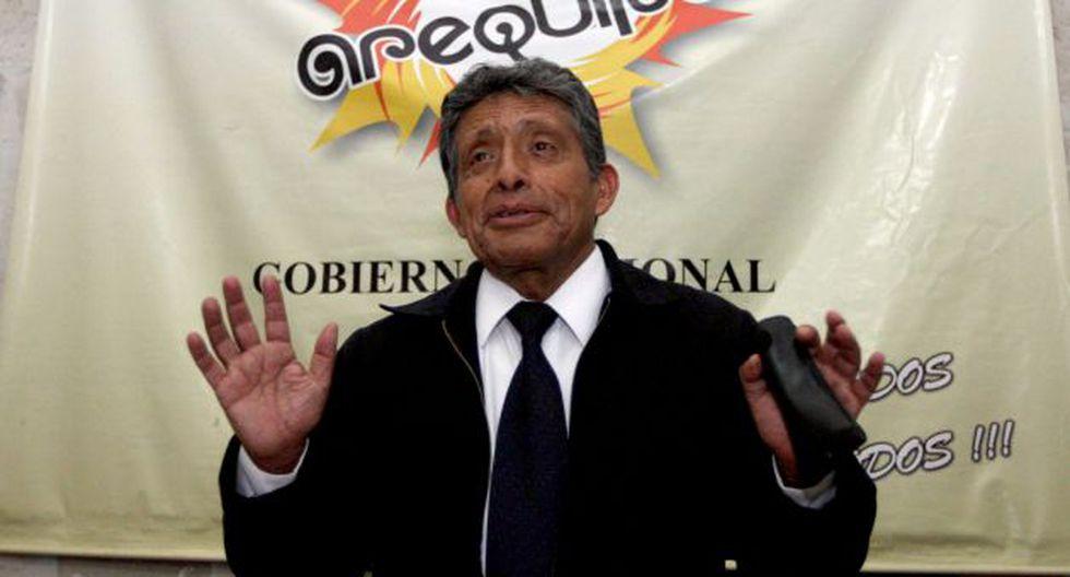 Arequipa: Fiscalía abrió investigación a expresidente regional por presunta malversación de fondos. (Perú21)