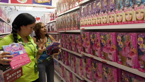 Nicolás Maduro decreta que las Barbie se vendan a US$2,50 en Venezuela. (AP)