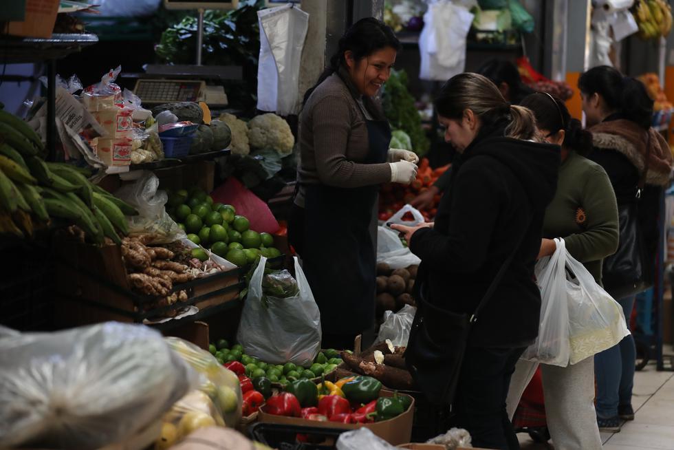 Lo exigen. En el mercado Lobatón de Lince, los clientes las reclaman.