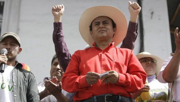 BAJO LUPA. Ahora Santos se desdice de lo que expresó al azuzar a la población de Cajamarca y al país. (Rafael Cornejo)