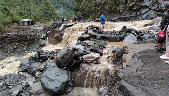 Cusco: personal de mantenimiento se constituyó en la zona para realizar los trabajos de rehabilitación de la vía. (Foto: IRRSA Sur)