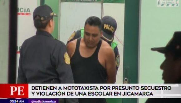 Los vecinos enfurecidos capturaron al sujeto, identificado como Jorge Armando Álvarez Quispe. (Foto: Captura/América Noticias)