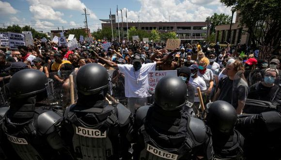 Protesters rally against the death in Minneapolis police custody of George Floyd, in Columbia, South Carolina, U.S., May 30, 2020. REUTERS/Sam Wolfe     TPX IMAGES OF THE DAY