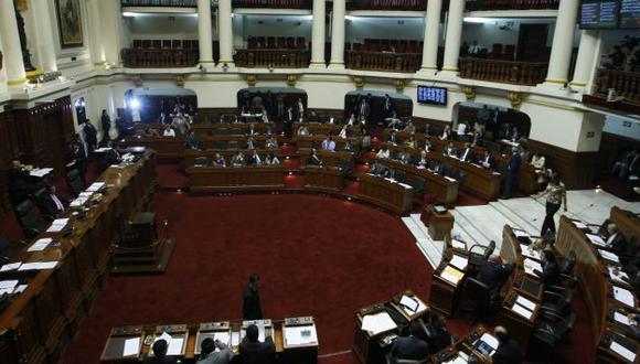 Congreso amplía a 15 años plazo de prescripción de juicios por alimentos. (Perú21)