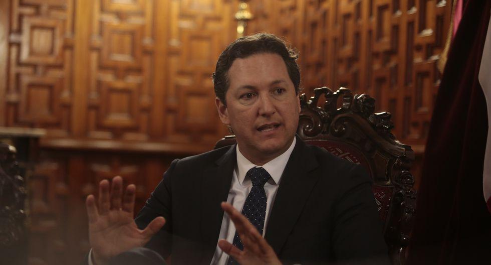 """Daniel Salaverry consideró que el personal de la Diviac  """"pisó el palito"""" al responder a congresistas (Andina)."""