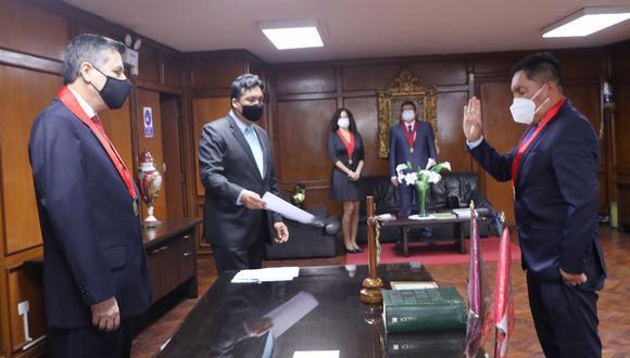 Presidente de la Corte Superior de Justicia de Lima  tomó juramento a los jueces superiores Luis Carrasco Alarcón, María Gallardo Neyra y Oswaldo Espinoza López. (Foto: CSJ de Lima)
