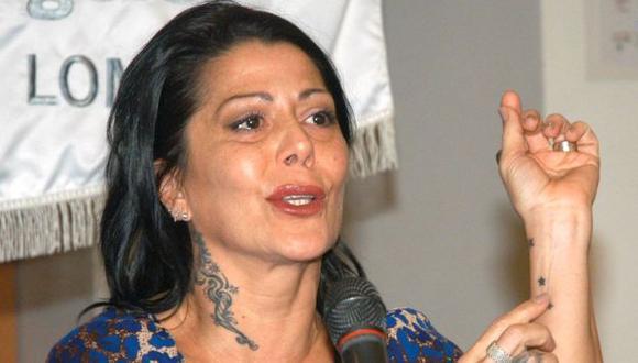 En 2009, Alejandra se sometió a una mala operación estética y, para corregir el daño, tuvo que operarse 10 veces. (Internet)