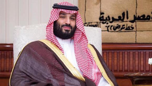 El hombre fuerte de Arabia Saudita arribó con una comitiva y fue recibido por el ministro argentino de Relaciones Exteriores, Jorge Faurie. (Foto: EFE)