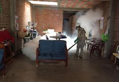 Fumigan viviendas en Chiclayo para frenar el dengue