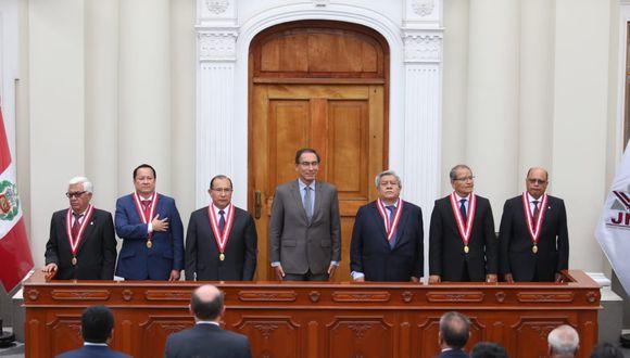 Presidente de la República, Martín Vizcarra, participa en la ceremonia de entrega de credenciales a los 25 gobernadores regionales. (Violeta Ayasta/GEC)