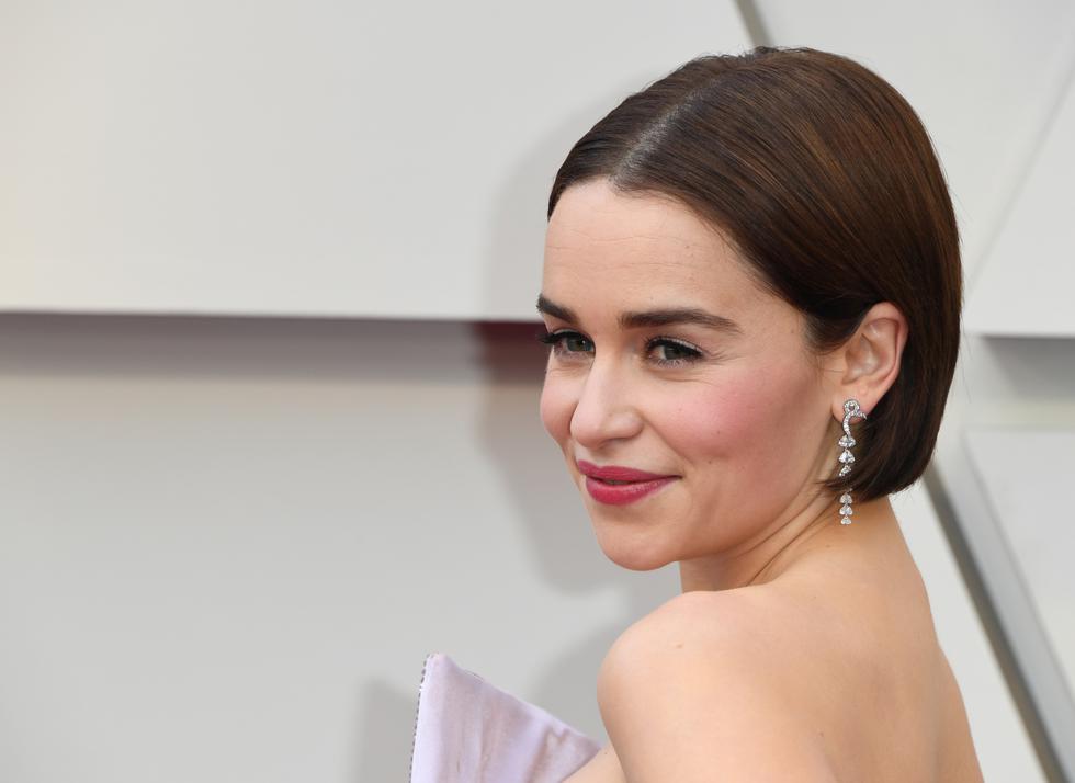 """Emilia Clarke, actriz de """"Game of Thrones"""", deslumbró con su belleza a todos los presenten en la alfombra roja de los Oscar 2019. (Foto: AFP)"""