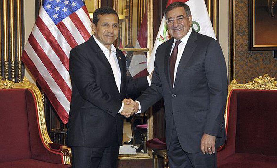 Panetta ofreció el apoyo de su gobierno para enfrentar problemas cruciales del país. (AP)