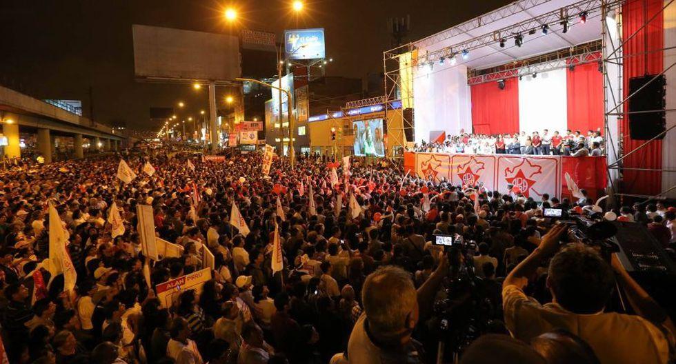 Alan García y Lourdes Flores realizaron primer mitin de campaña de Alianza Popular (Luis Gonzales/Perú21)