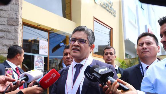 Fiscal José Domingo Pérez en incautación de inmuebles de Gonzalo Monteverde en enero de este año. (Fotos: Hugo Curotto/ GEC)