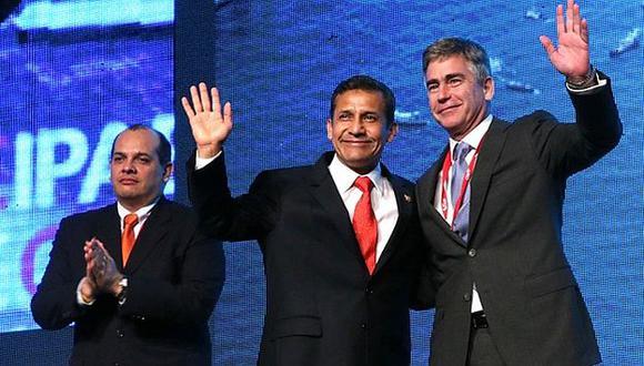Ollanta Humala y jefe de IPAE en clausura. (Difusión)