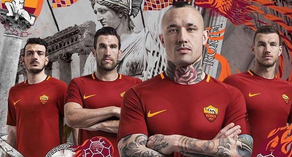 La Roma, equipo de la capital italiana, hace alarde de una indumentaria sin publicidad. (AS Roma)